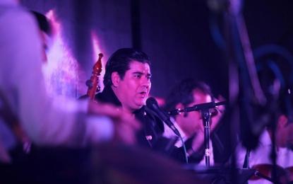 جشن انقلاب با نوای سالار عقیلی در سالن شهید اردهال فین + تصویر